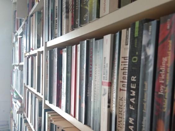 Ankauf Und Verkauf Von Gebrauchten Medien Im Bücherwürmle